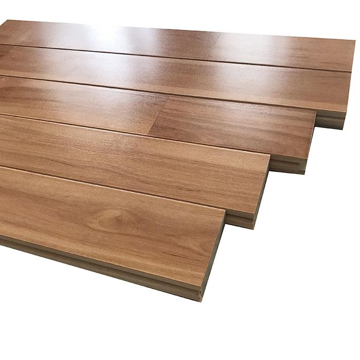 枫桦B级本色体育地板