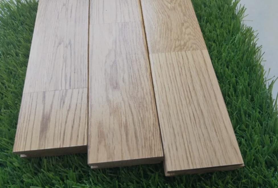 运动的木地板