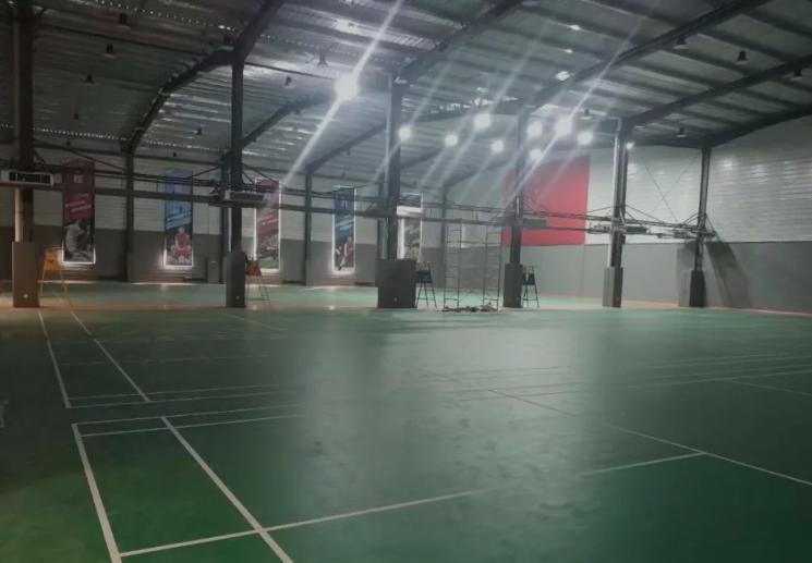 篮球场木地板安装